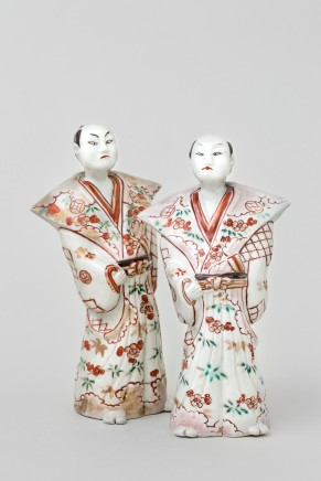 A FINE AND RARE PAIR OF JAPANESE ARITA FIGURES , 1700 - 1730