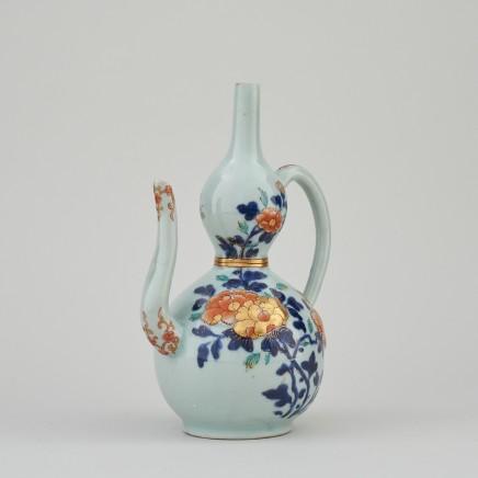 A FINE JAPANESE IMARI EWER, 18th century
