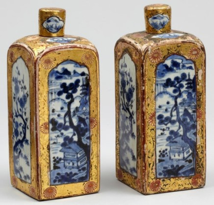 A PAIR OF JAPANESE ARITA LATER DECORATED FLASKS, early 18th century