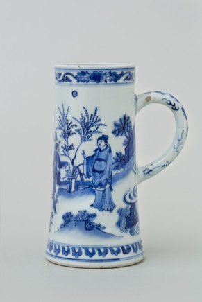 A CHINESE BLUE AND WHITE TRANSITIONAL TANKARD, 转变期 (1644 – 1661)