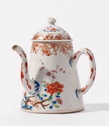 A LARGE CHINESE FAMILLE ROSE COFFEE-POT AND COVER, Qianlong 1736-1795