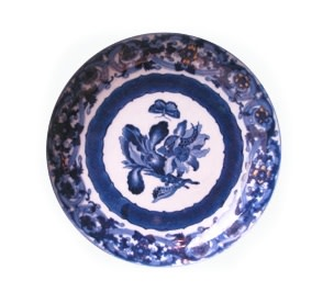 A CHINESE BLUE AND WHITE MERIAN DISH, Qianlong (1736 - 1795)