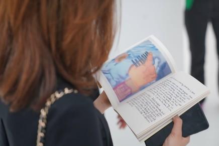 莎拉·福克斯| 艺术家书《吞噬者》
