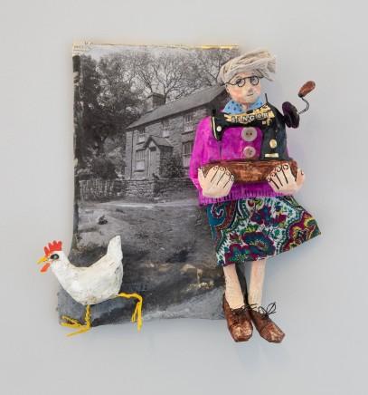 Luned Rhys Parri, Peiriant Gwnïo a Iâr Wen / Sewing Machine and White Hen