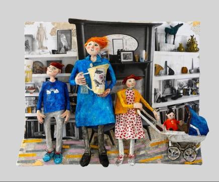 Luned Rhys Parri, Artist gyda'i Phlant a Sali Mali / Artist with her Children and Sali Mali