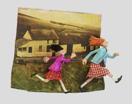 Luned Rhys Parri, Genethod yn Rhedeg heibio Gwybedog / Girls Running past Gwybedog
