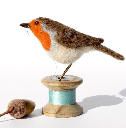 Dinny Pocock Bobbin Robin Needle-felted wool, wire and vintage bobbin 7 cm