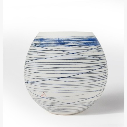 Ali Tomlin, Round vase, blue lines