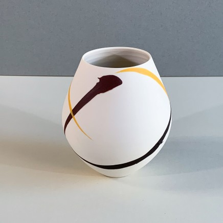 Ali Tomlin AT12 - Small Round Pot, Burgunday and Yellow Splash Porcelain 13 x 11 cm