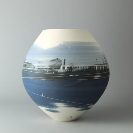 Ali Tomlin AT26: Spherical Vase - Blue scenes Porcelain H: 15.5 cm