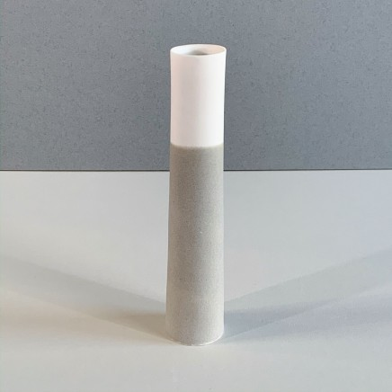 Ali Tomlin AT4 - Single Stem, Olive Pocelain 17 x 4 cm