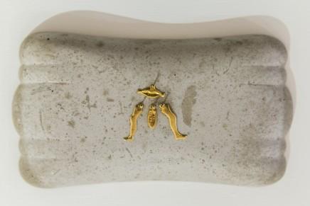 Pauline Beaudemont, No te debÍ besar, 2019 Cement, Milagros 13 x 23 cm (approx.)