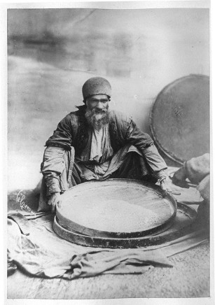 Antoin Sevruguin, A man in Tehran with wheat, Late 19th Century