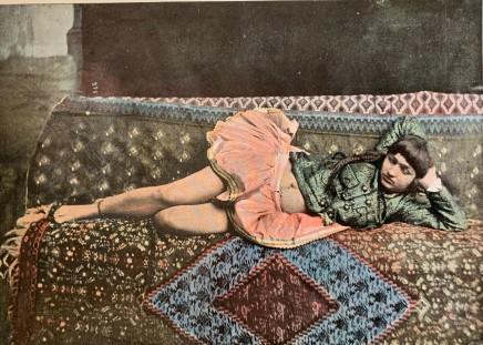 Antoin Sevruguin, Persane dans le harem, 1897