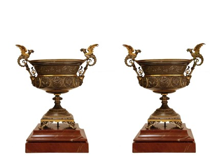 Pair of bronze cups, Late 19th century