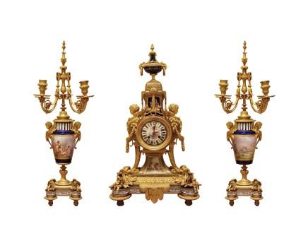 Gilt-bronze clock garniture, Late 19th century