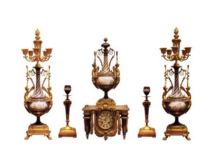 Gilt-bronze and porcelain clock garniture, Late 19th century