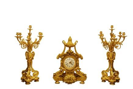 Raingo Frères, Gilt bronze clock garniture