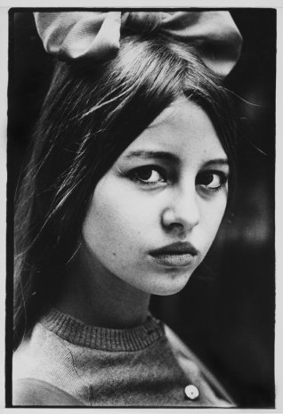 Ed van der Elsken, Portrait young girl with white face, ca. 1965