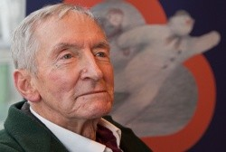 Raymond Briggs wins BookTrust 2017 Lifetime Achievement Award