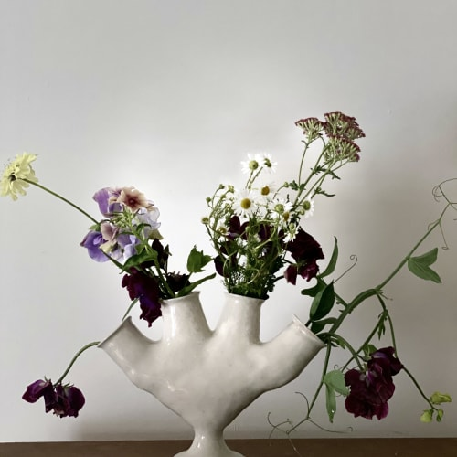 Ali Hewson, Hand vase