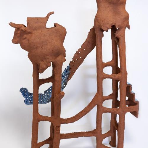 Gautier Ferrero, Taureau, 2020, Céramique, 75 x 35 x 51 cm. Courtesy de l'artiste et de la galerie Catherine Issert.