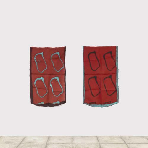 Claude VIALLAT Sans Titre , 2021 Acrylique sur tissu 116 x 69 cm Sans Titre , 2021 Acrylique sur tissu 117 x 69 cm