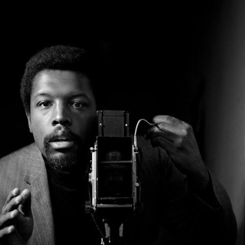Kwame Brathwaite, Untitled (Kwame Brathwaite Self Portrait at AJASS Studios) (1964). Image courtesy of the artist and Philip Martin Gallery,...