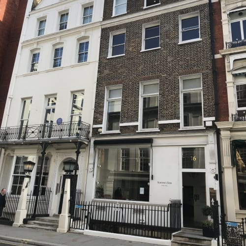 Waterhouse & Dodd London