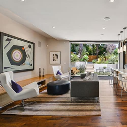 Tour of Rowland Weinstein's San Francisco home and private collection.
