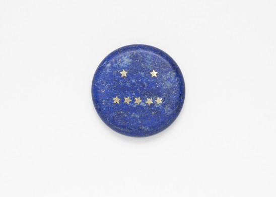 Lin Cheung, Delayed Reactions - Non Plus, 2018, Brooch, Lapis Lazuli, 18ct Gold, ⌀ 70mm.