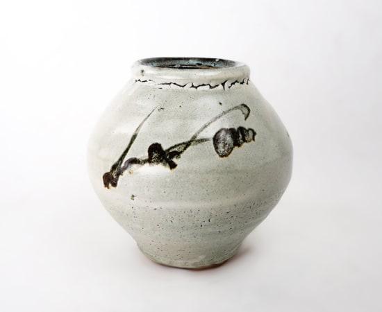 Hamada Shoji 濱田庄司, Ash glazed ovoid Jar with Blossom Designs 灰釉鉄絵壺