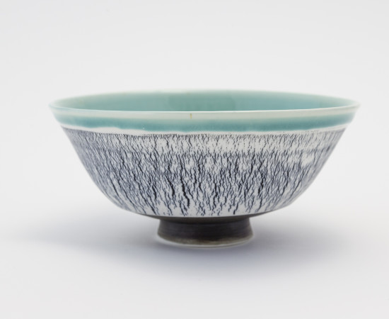 <span class=&#34;artist&#34;><strong>Hugh West</strong><span class=&#34;artist_comma&#34;>, </span></span><span class=&#34;title&#34;>Black Crackled Turquoise Bowl</span>