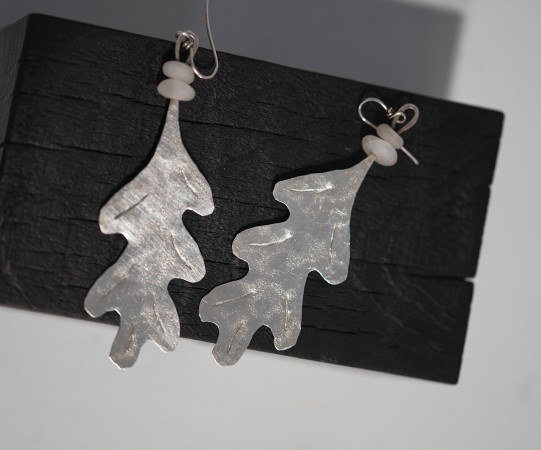 Breon O'Casey, Earrings