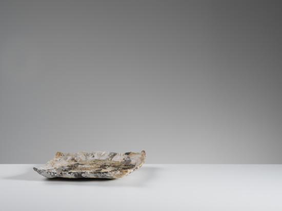 <span class=&#34;artist&#34;><strong>Ewen Henderson</strong><span class=&#34;artist_comma&#34;>, </span></span><span class=&#34;title&#34;>Dish<span class=&#34;title_comma&#34;>, </span></span><span class=&#34;year&#34;>c1990</span>