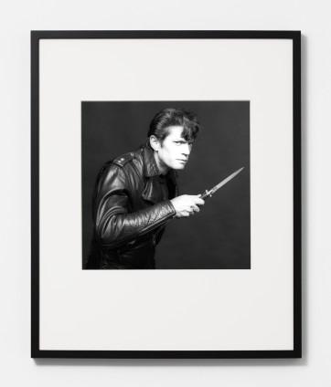 Robert Mapplethorpe Self Portrait, 1983 Silver Gelatin Print 40.7 x 50.8 cm, 16 x 20 ins, paper size 70 x 60 cm, 27 1/2 x 23 5/8 ins, framed Edition 6/10 + 2APs Printed in 2005