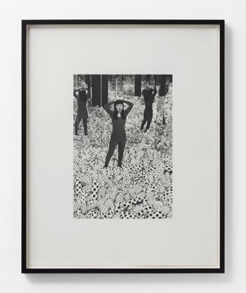Dan Fischer Kusama in Infinity Mirror Room, 2005 Graphite on paper 61.3 x 48.3 cm, 24 1/8 x 19 1/8 ins 65 x 52 cm, 25 5/8 x 20 1/2 ins, framed