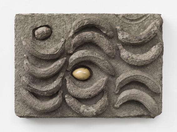 Erika Verzutti Dieta, 2018 Papier mache and ceramics 47 x 66 x 12 cm, 18 1/2 x 26 x 4 3/4 ins Unique