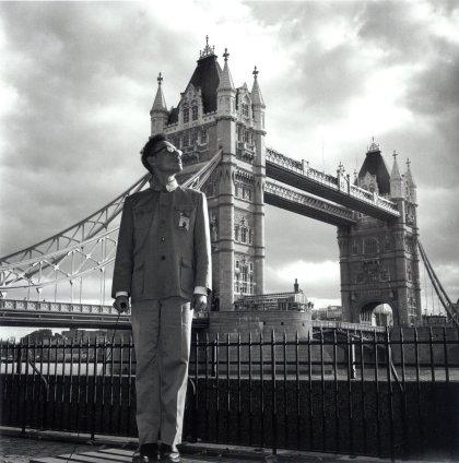 Tseng Kwong Chi, London, England (Tower Bridge), 1983