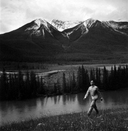 Tseng Kwong Chi, Banff National Park, Alberta (River Walk), 1986