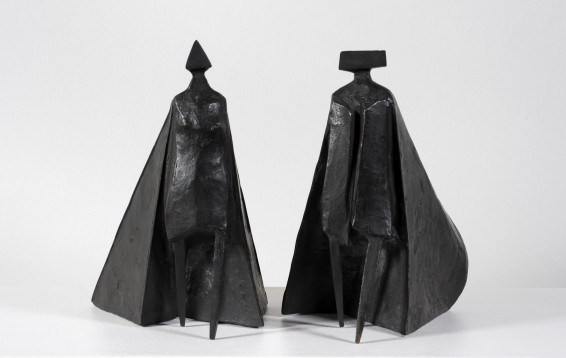 Lynn Chadwick, Walking Cloaked Figures VI, 1980