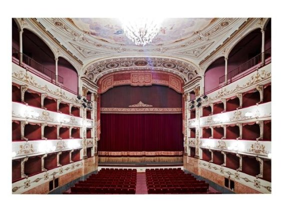Candida Höfer, Teatro della Pergola Firenze II 2008