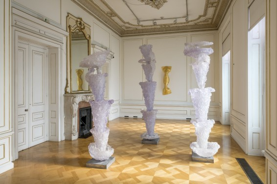Press: Lynda Benglis - Artforum