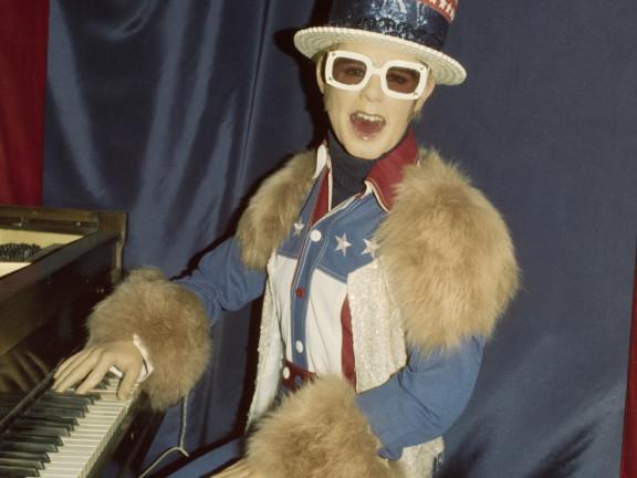 Elton John, Hollywood Wax Museum, 1978 ca.