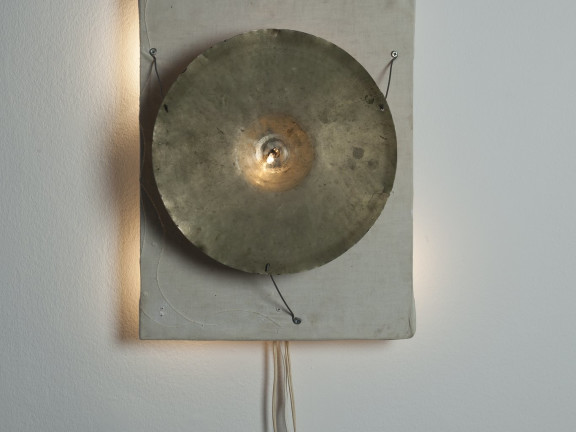 bekkenlamp/ cymbal lamp, 1996