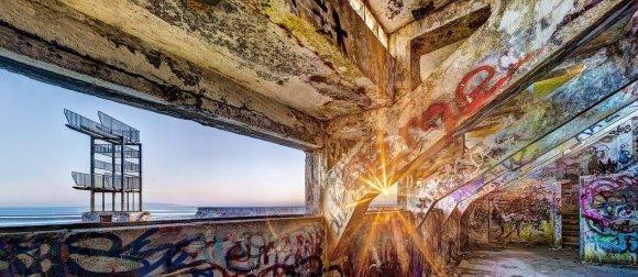 Radiating beams, Blackrock Baths at Sunrise