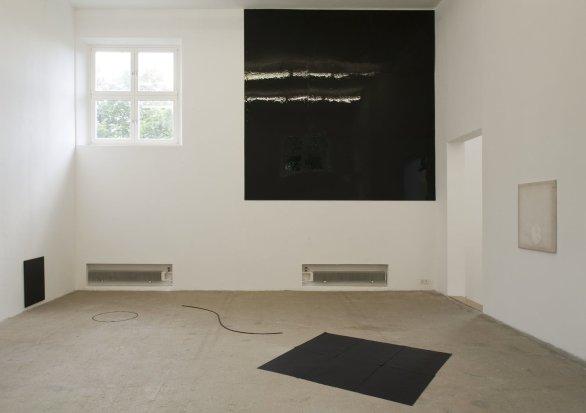 Ian Kiaer, Endnote, pink (black), 2010