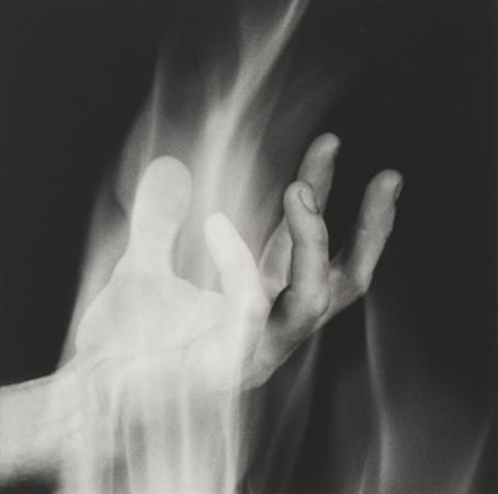Robert Mapplethorpe, Hand in Fire, 1985