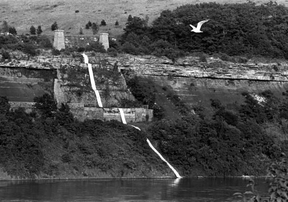 Michelle Stuart, Niagara Gorge Path Relocated, 1975