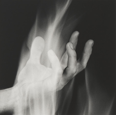 Robert Mapplethorpe, Hand in Fire, 1985